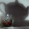 Каждая чашка- мечтает  о чайнике