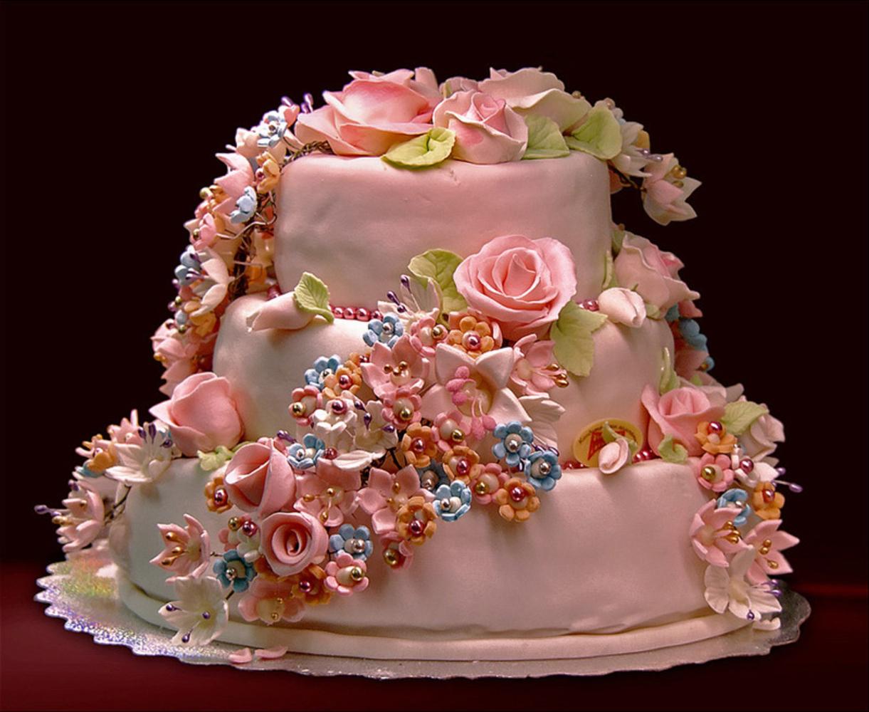 Картинка красивый торт на день рождения