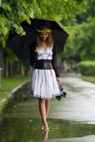 нимфа с зонтиком)