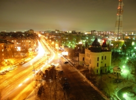 Над городом ночным