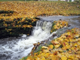 Осенний водопадик