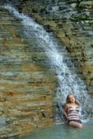 Красавица и водопад.
