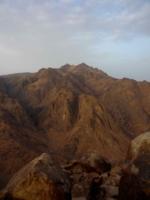 Только горы....