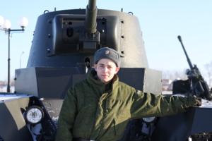 Видал вблизи пулемет или танк