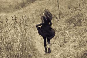 Alice runs