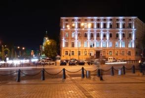 По ночным улицам