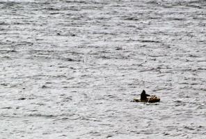 Рыбак и море