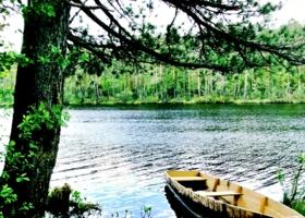 Лодочка на озере