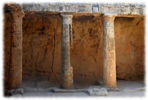 дорические колонны