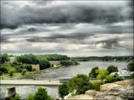 Пограничная река