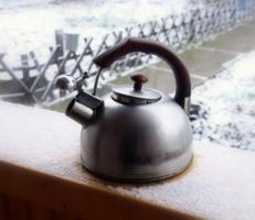 чайник на терасе
