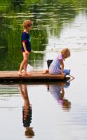С сестрицей на рыбалке..