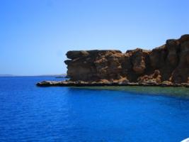 каменисто-лазурный берег