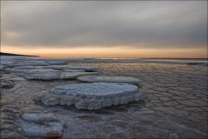 Вечер у зимнего моря