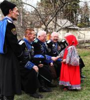 Девочка и казаки.