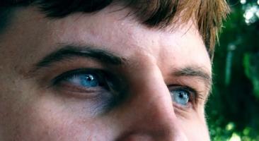 глаза как лунные озера