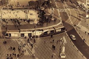 Бурная жизнь площади Массена
