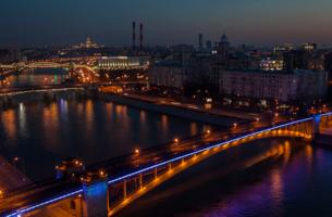 В Москве ночь!