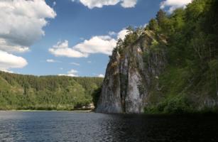 На реке Белой