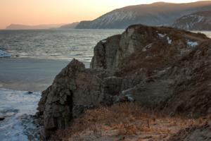 Скалистые берега.