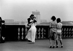 Свадьба в ветреный день