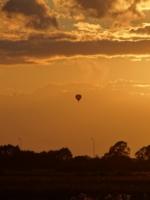 Воздухоплавание на закате.