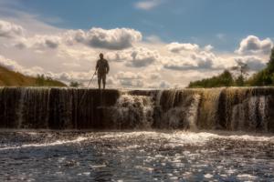 Равнинный водопад на реке Тосна