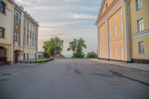 Пустые улицы в закате