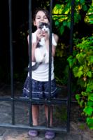 девочка с котёнком