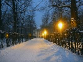 Снежный вечер в старой усадьбе