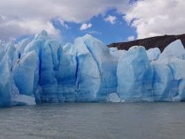 Голубые льды Антарктиды.