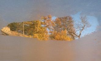 А осень в зеркальце смотрелась