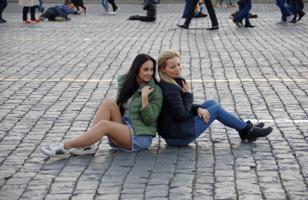 Подружки на Красной площади