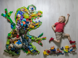 Монстр из неубранных игрушек;)
