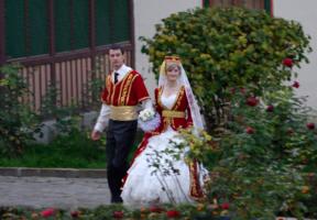 Молодые.Крымско-татарская свадьба.