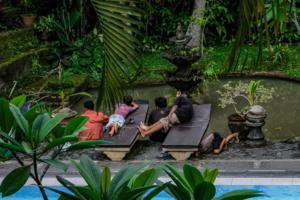 Балийские пацаны
