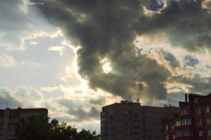 Заслоняя Солнце