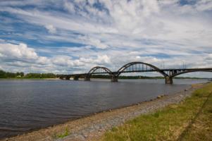 Облака над мостом