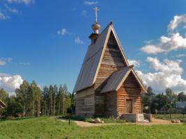 Деревянная Воскресенская церковь в Плёсе
