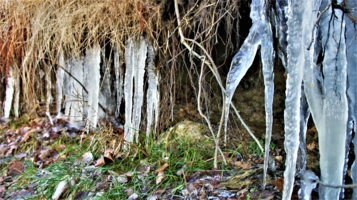 Пещера во льдах