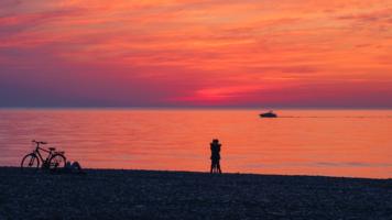 Летний вечер на море