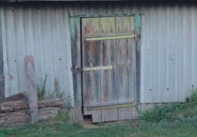 Дверь в амбар