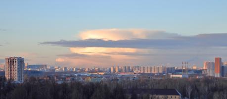Город на закате дня