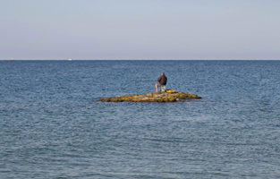 На морской рыбалочке.