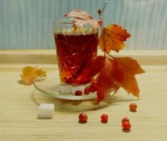 Чай с осенней калиной..