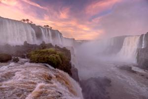 Водопад Фос-Ду-Игоасу.