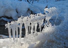 Построение или ледяные колонны