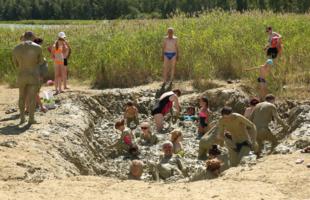 В тесноте и в грязи весело!..