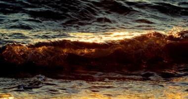 Балтийская вода на закате.