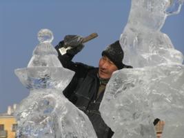 Мастер ледовых скульптур